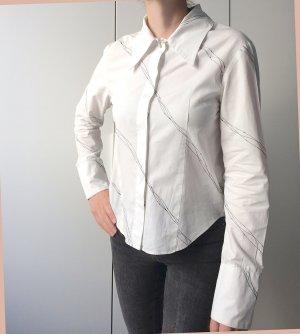Weisse Hemd-Bluse mit Manschettenknöpfen