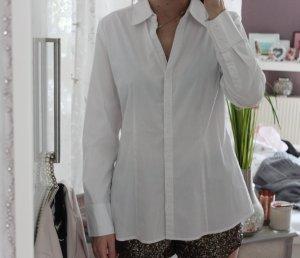 • Weiße Hemdbluse S.Oliver