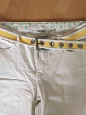 Weiße Hose mit Gürtel von Street One in Größe 32