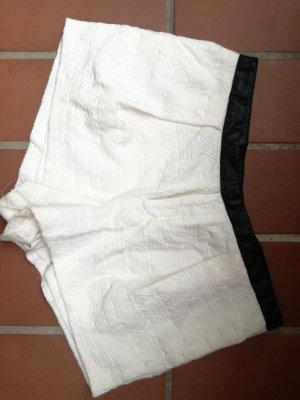Short blanc-noir
