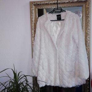 weiße Jacke aus Kunstpelz