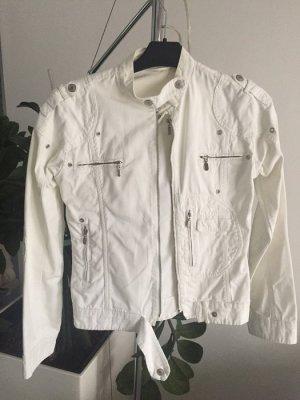 weiße Jacke Größe M Jeans 38