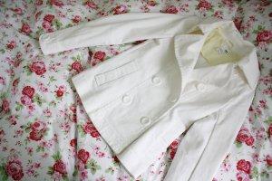 weiße Jacke mit Knopfleiste von H&M in Gr. 36
