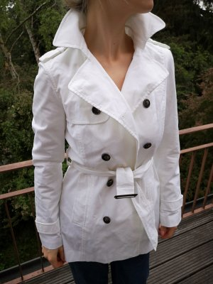 weiße Jacke ZARA Gr. S Trenchcoat mit Gürtel, dunkle Knöpfe