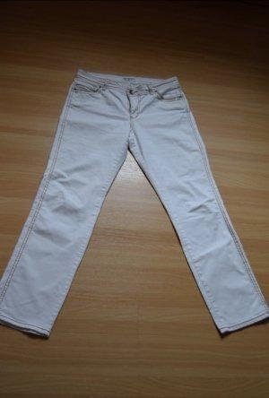 Weiße Jeans mit braunen Ziernähten von Rick Cardona