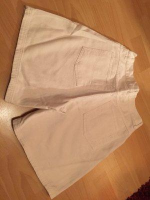 Weiße Jeans Shorts für den Sommer