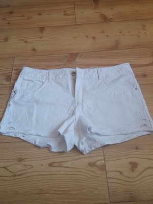 Stitch & Soul Shorts white