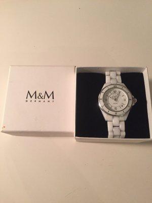 Weiße Keramikuhr von M&M - tolles Weihnachtsgeschenk