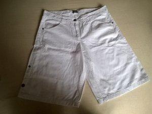 weiße kurze Hose mit Möglichkeit die Hosenbeine zu verkürzen
