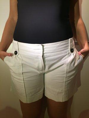 Weiße kurze Hose von Mango