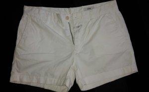 weiße kurze Sommerhose