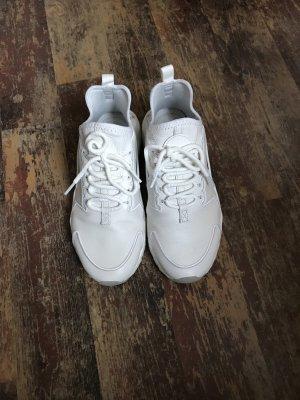 Weiße Leder Nike huarachi