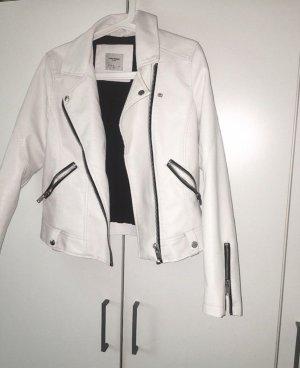 weiße Lederjacke