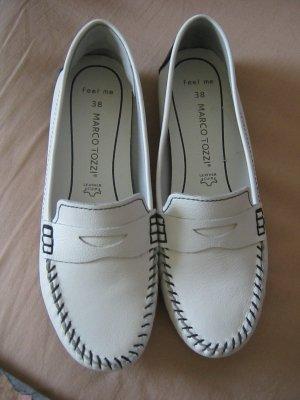 weiße Lederschuhe