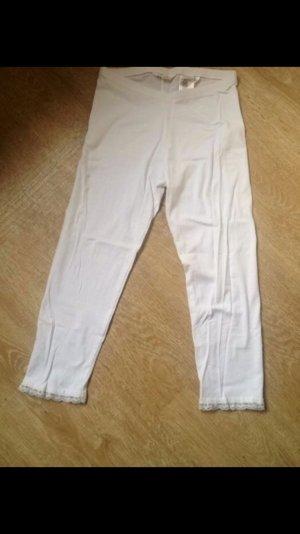 Weiße leggins mit spitzenbesatz
