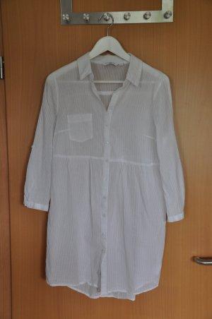 Weiße, leicht transparente Bluse