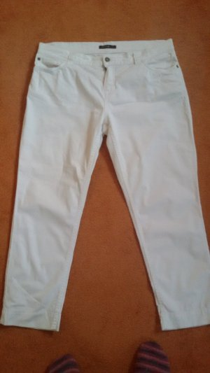weiße leichte Sommerjeans
