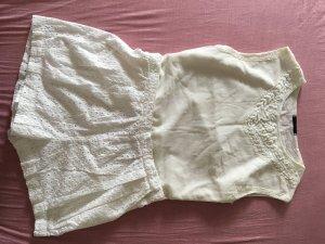 Weiße lochmuster Hose mit Stick Oberteil - kombiniert
