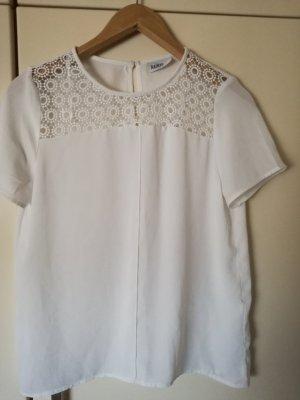 weiße luftige Bluse