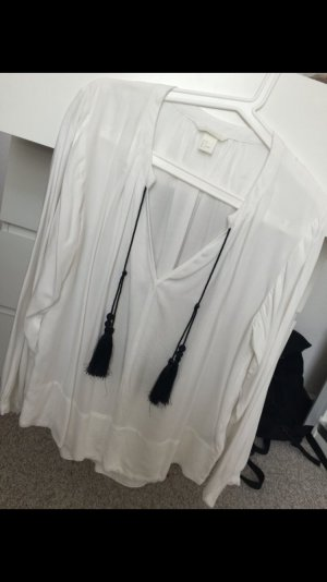 weiße luftige Bluse mit Fransen