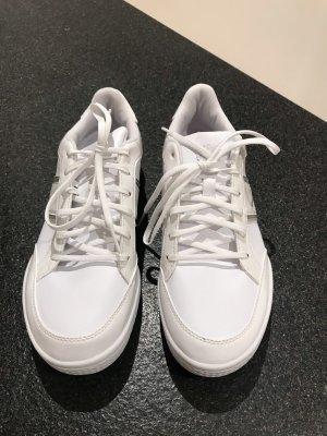 Weiße neue sneaker von Puma