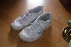 weiße Nike Air gebraucht