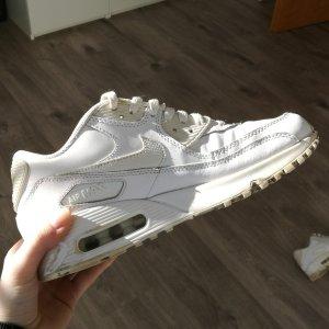 Weisse Nike Air Max Sneaker Turnschuhe