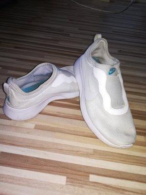 weiße Nike Sportschuhe