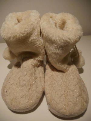 weiße Pantoffeln