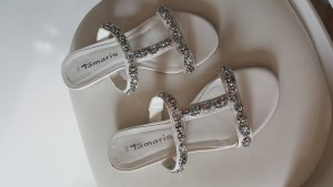Tamaris Sandalias de tacón con barra en T blanco