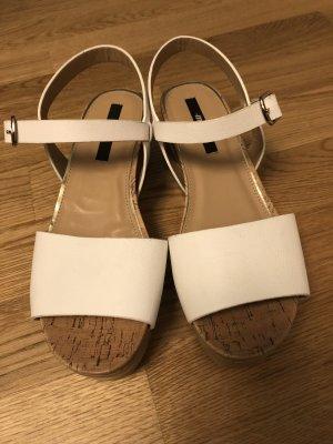 Weiße Sandalen -ungetragen!