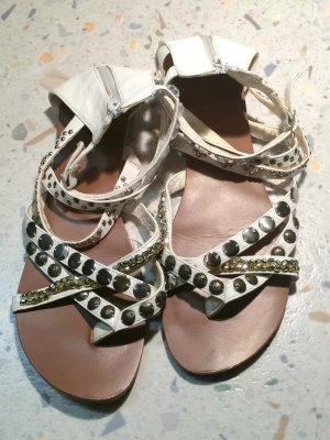 weiße Sandalen von Buffalo Girl