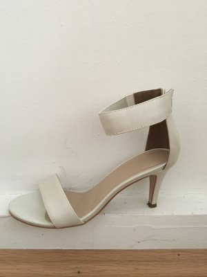 Pier one Strapped High-Heeled Sandals white