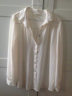 Weiße seidige Bluse mit Kragen