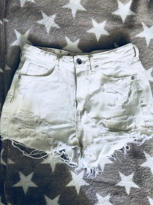 Weiße Shorts (Coachella- Official Collection H&M)