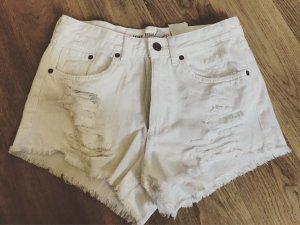Weiße Shorts im Used Look, ungetragen