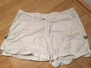 Weiße Shorts ... kurz