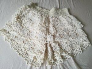 weiße Shorts mit spitzen