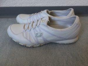 weiße Skechers Turnschuhe / Sneakers / Schuhe - selten getragen, wie neu - Gr. 38