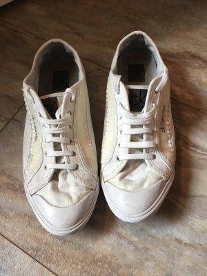 Weiße Sneaker von CK
