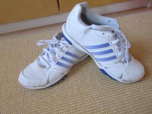 Weiße Sneakers Sportschuhe mit silbernen Details 39⅓
