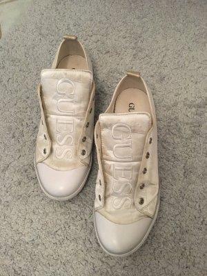 Weiße Sneakers von Guess