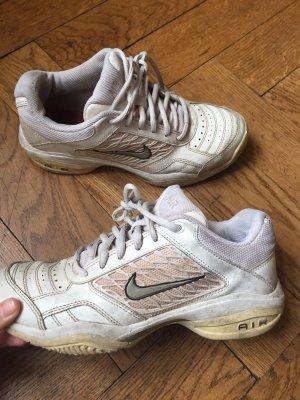 Weiße Sneakers von Nike Air