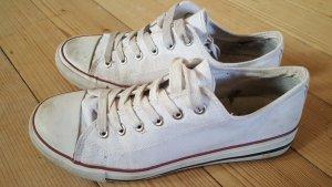 Weisse Sneakerschuhe