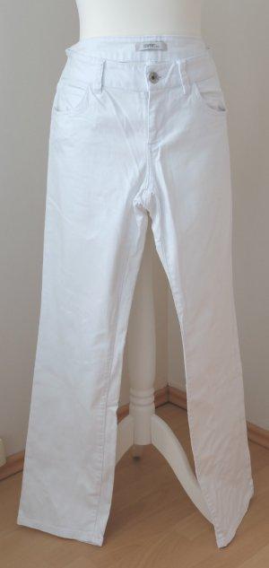 Weiße Sommer-Jeans, gerade geschnitten