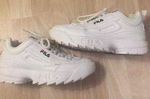 """Weiße Sportschuhe der Marke """"Fila"""""""