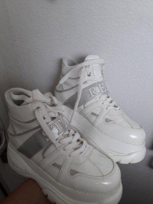 Weiße Statement Schuhe stay real