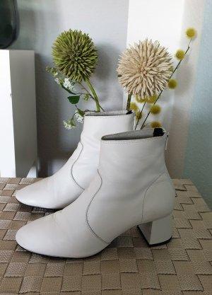 weiße Stiefeletten aus Leder von  Mango