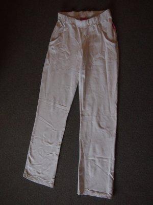 Weiße Stoffhose mit großen Eingriffs-Taschen