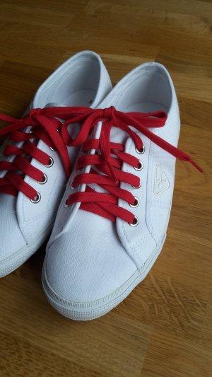 Weiße Stoffturnschuhe Sneaker Tamaris